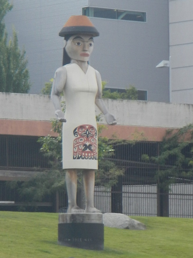 Tacoma Welcome Statue
