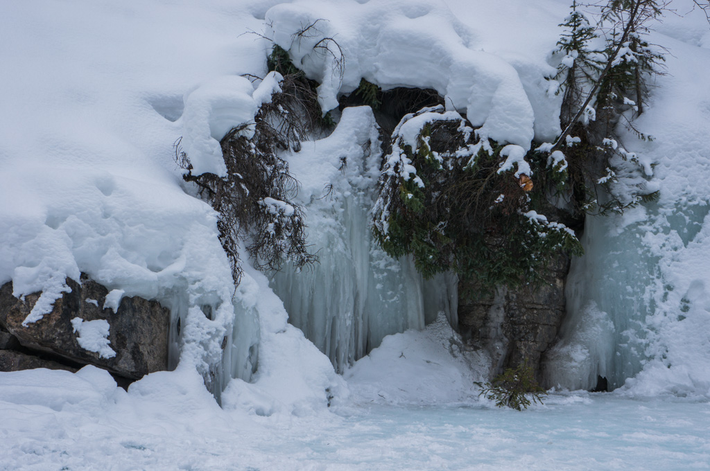 Ice Stalgtites