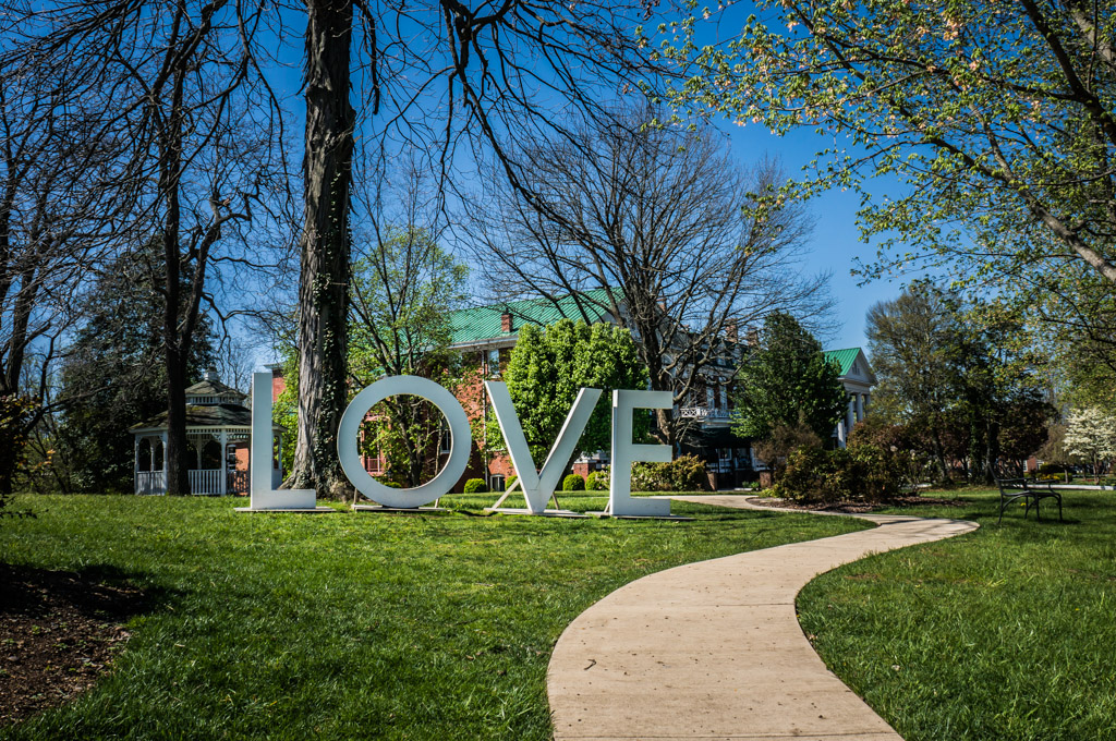 Love Sign in Abgingdon VA