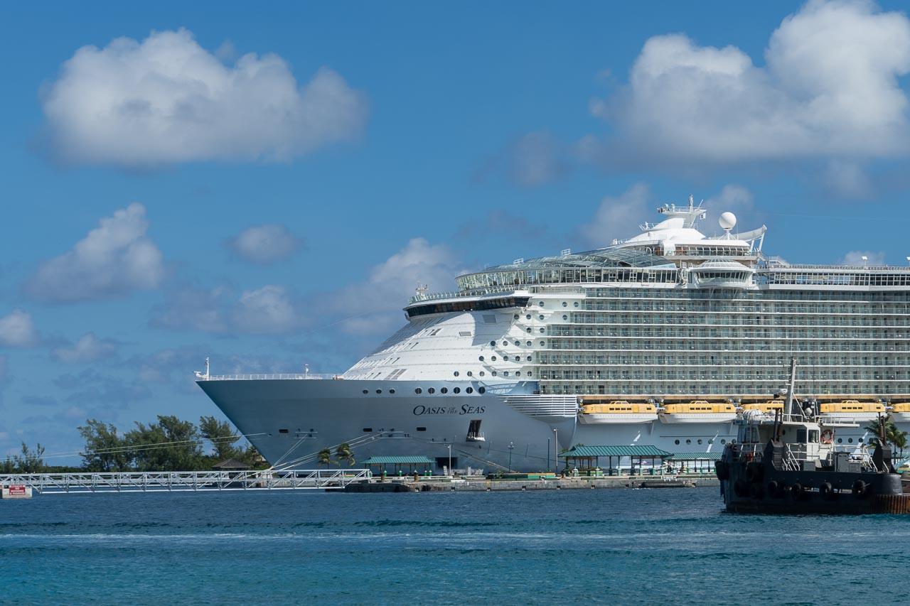 Oasis of the Seas in Port